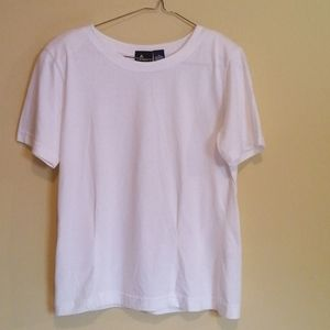 Liz sport white fitted top